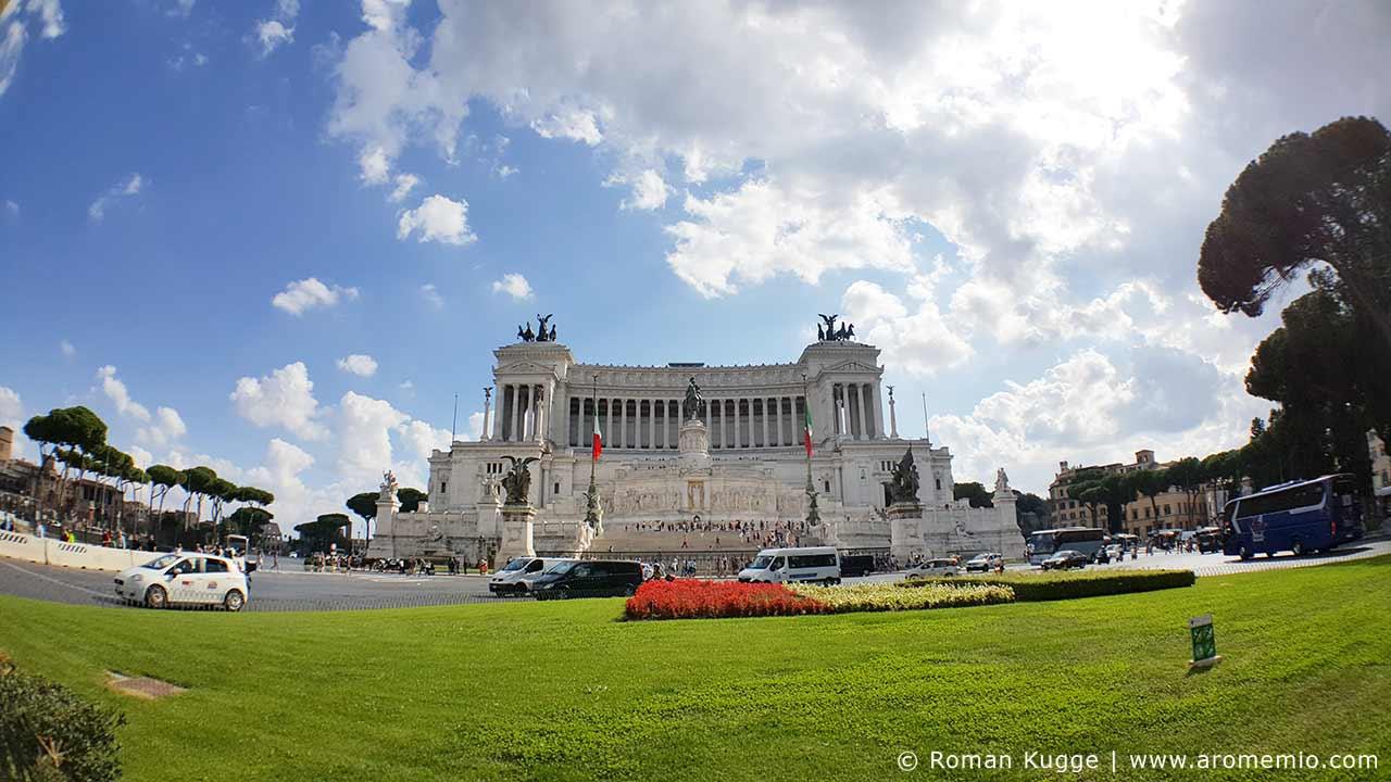 Il Vittoriano Le Monument A Victor Emmanuel A Rome Les