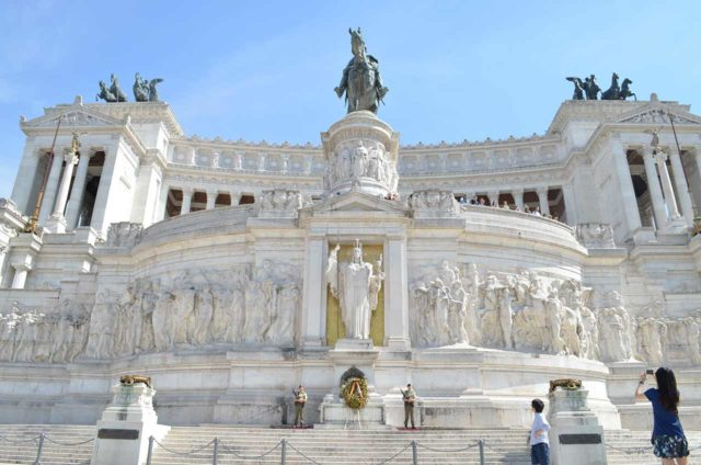 monumento-a-vittorio-emanuele-rom-2