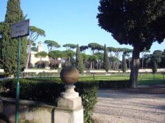 Parc Villa Borghese Rome Piazza di Sienna.jpg