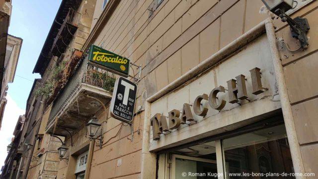 Tabacchi bar-tabac à Rome enseigne