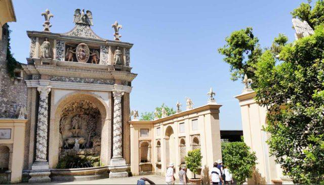Fontaine de Neptune Villa d'Este Tivoli