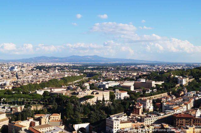 Vue panoramique Rome coupole Basilique Saint-Pierre