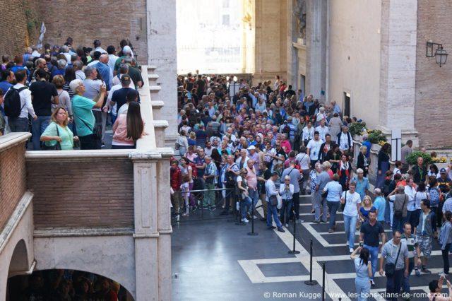 Temps d'attente file d'attente Vatican