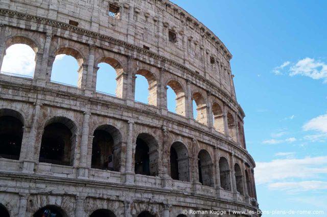 Façade du Colisée