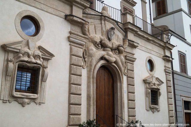 Maison Monstres Rome Palais Zuccari