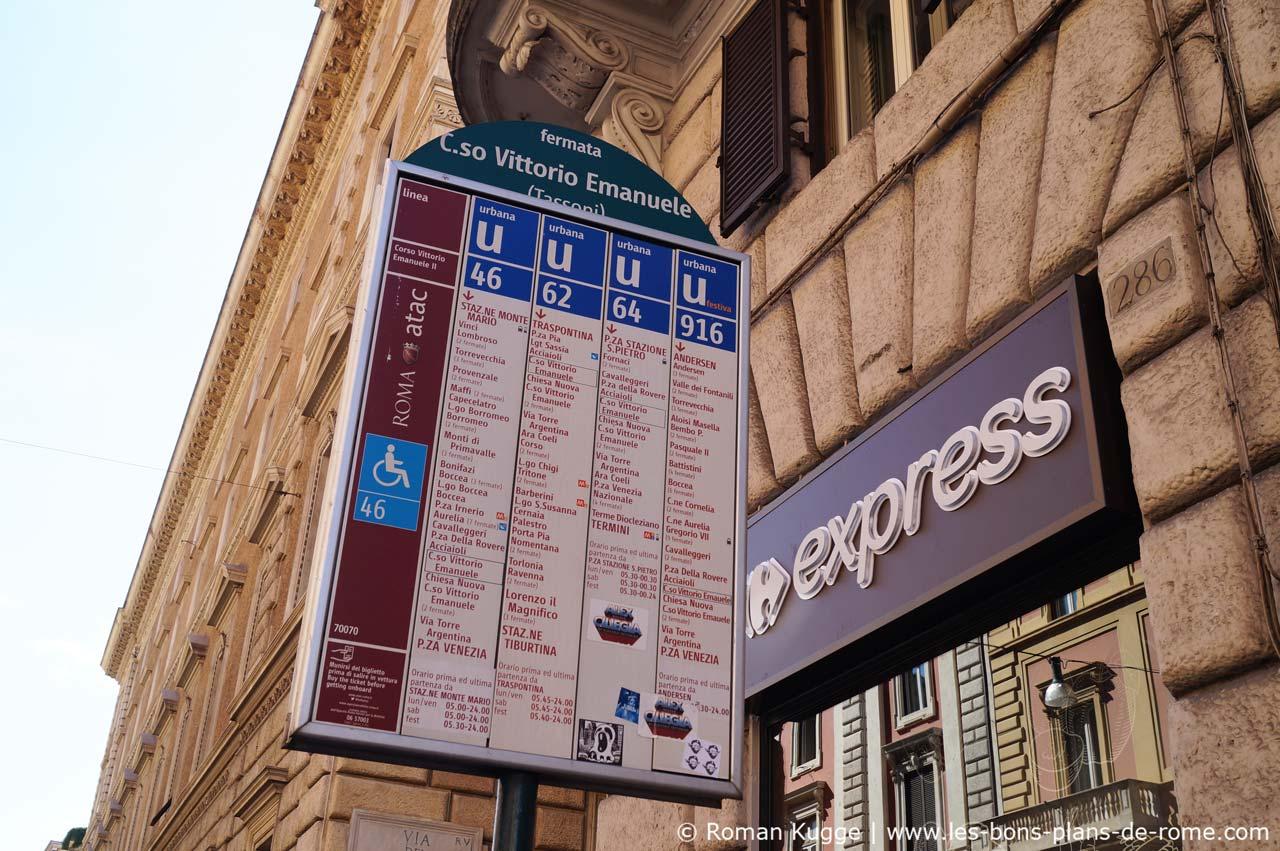 Arrêt de bus Rome panneau horaires