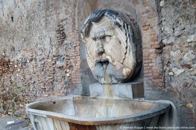 Fontaine Nasoni Aventin Rome