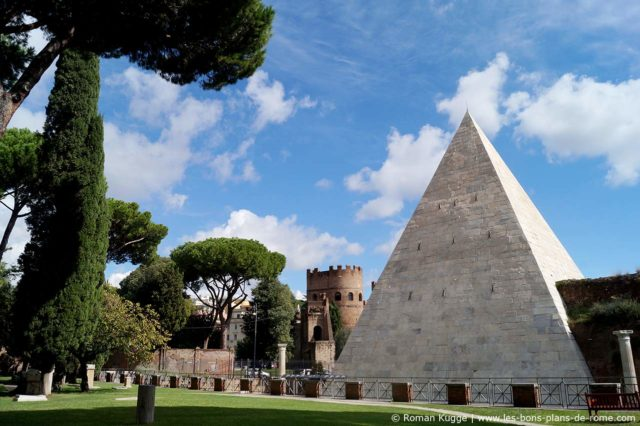 Pyramide de Rome