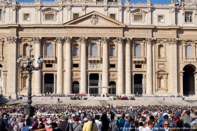 Podium messes papales